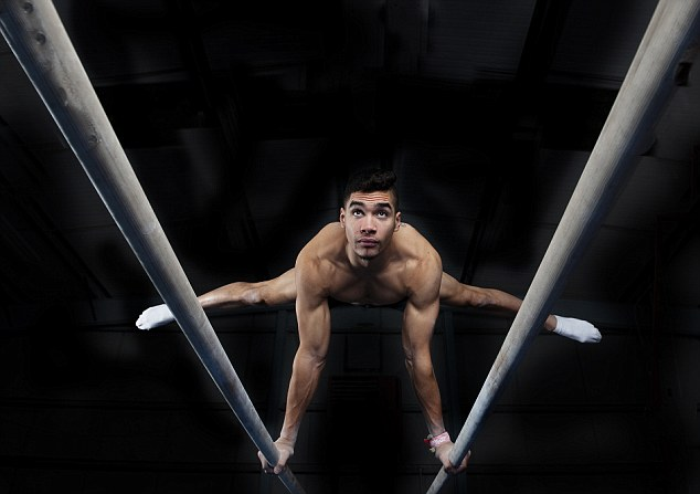 louis smith british gymnast  parallel bars