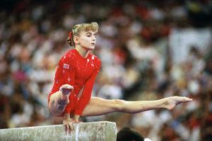 shannon miller red leotard 1992 Olympics straddle L sit balance beam
