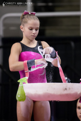 Ragan Smith chalking up